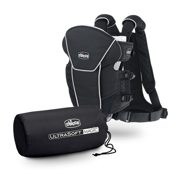 Chicco UltraSoft Magic Infant Carrier comes with a matching carrying bag