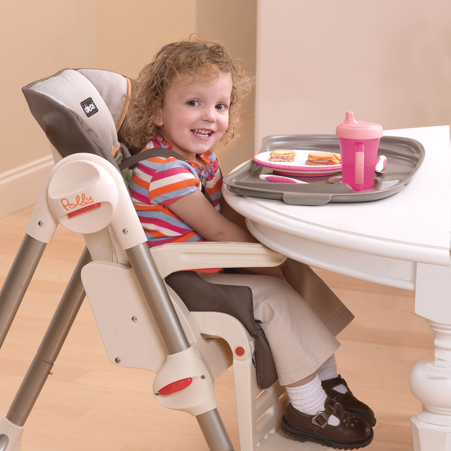 ... The Polly SE Highchair can fit right up close to your table for older kids ...  sc 1 st  Chicco & Chicco Polly Highchair - Zest
