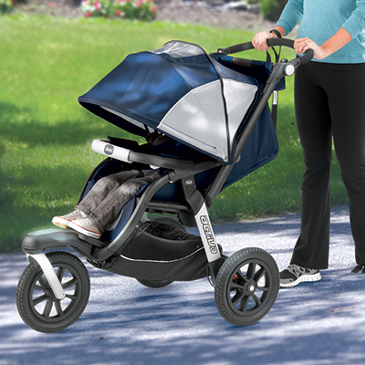 Multi-position reclining seat and extendable canopy on the ACTIV3 Chicco jogger stroller