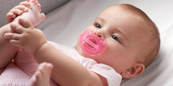 10 Pacifier Benefits for Baby Sleep Time